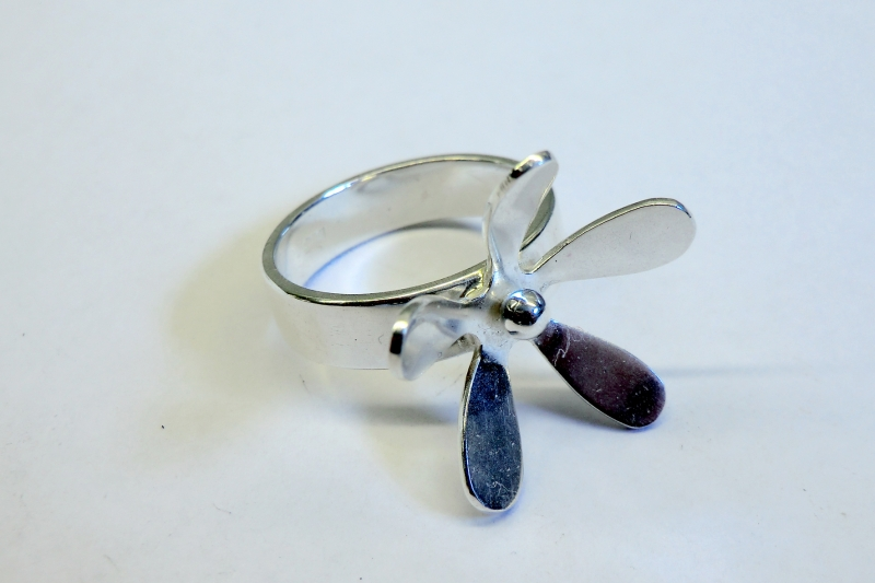 Ring i silver