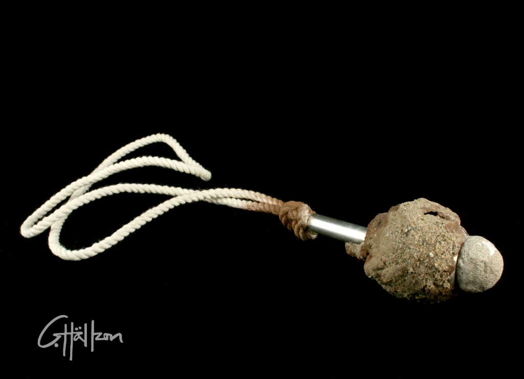 Halsband av sand, rep  och silver / Necklace made of sand, rope and silver